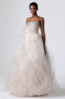 Ivory-cream-strapless-wedding-dress-full-tulle-skirt-matte-silver-bust.full