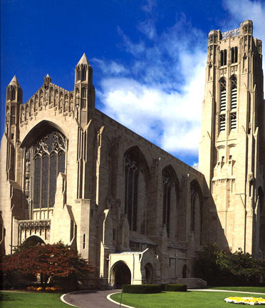 Rockefeller Memorial Chapel at the University of Chicago provided an elegant and stately background