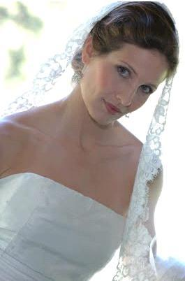 photo of Bride Chic: The Mantilla