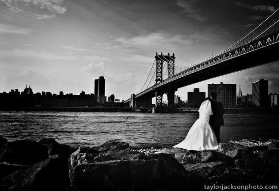 Monumental-locations-for-pre-wedding-photography-black-white-photo-bride-groom-below-san-fran-golden-gate-bridge.full