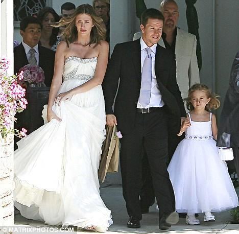 Celebrity-weddings-mark-wahlberg-marries-longtime-girlfriend-aug.-1.full