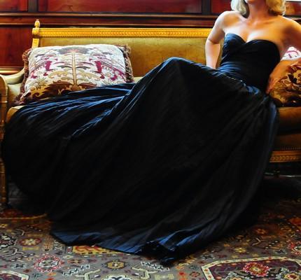 Not-so-traditional-black-in-your-wedding-dress-black-strapless-sweetheart-neckline.full