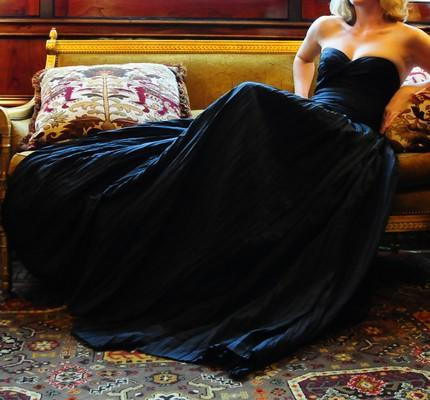 Chic, stunning and simple black strapless sweetheart neckline wedding dress