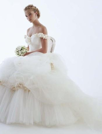 White-romantic-tulle-wedding-dress-rs-couture-off-the-shoulder-flower-detail.full