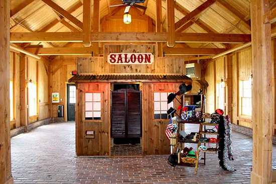 rustic-western-saloon-photo-booth-mildale-farm-kansas