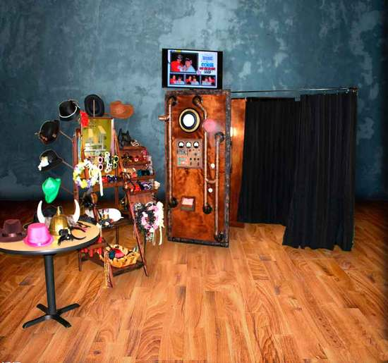 photo of The Looking Glass Photo Booths