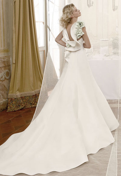 Atelier-aimee-wedding-dress-2012-bridal-gowns-2-floral-embellished.original