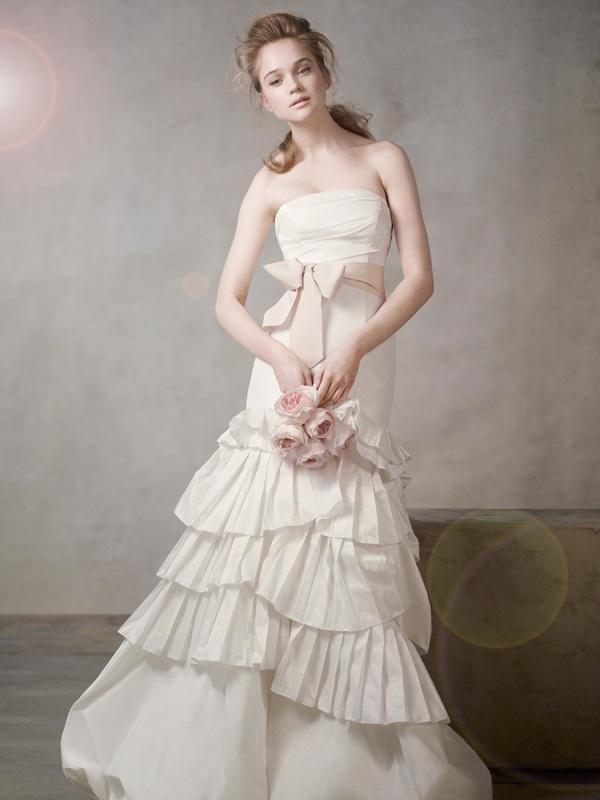 White-by-vera-wang-wedding-dress-2011-sash-351043.full