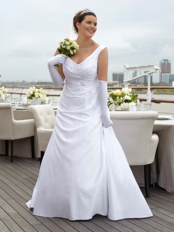 photo of David's Bridal Woman 9WG3248 Dress