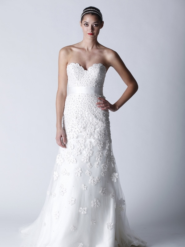 Wedding-dresses-fall-2011-white-sweetheart-neckline-romantic-applique-4710.full