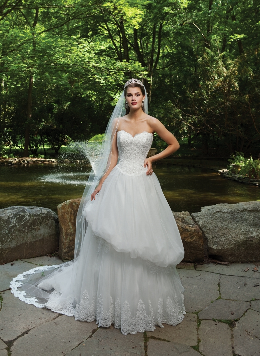 I231111-spring-2011-2bebride-wedding-dress-front.full