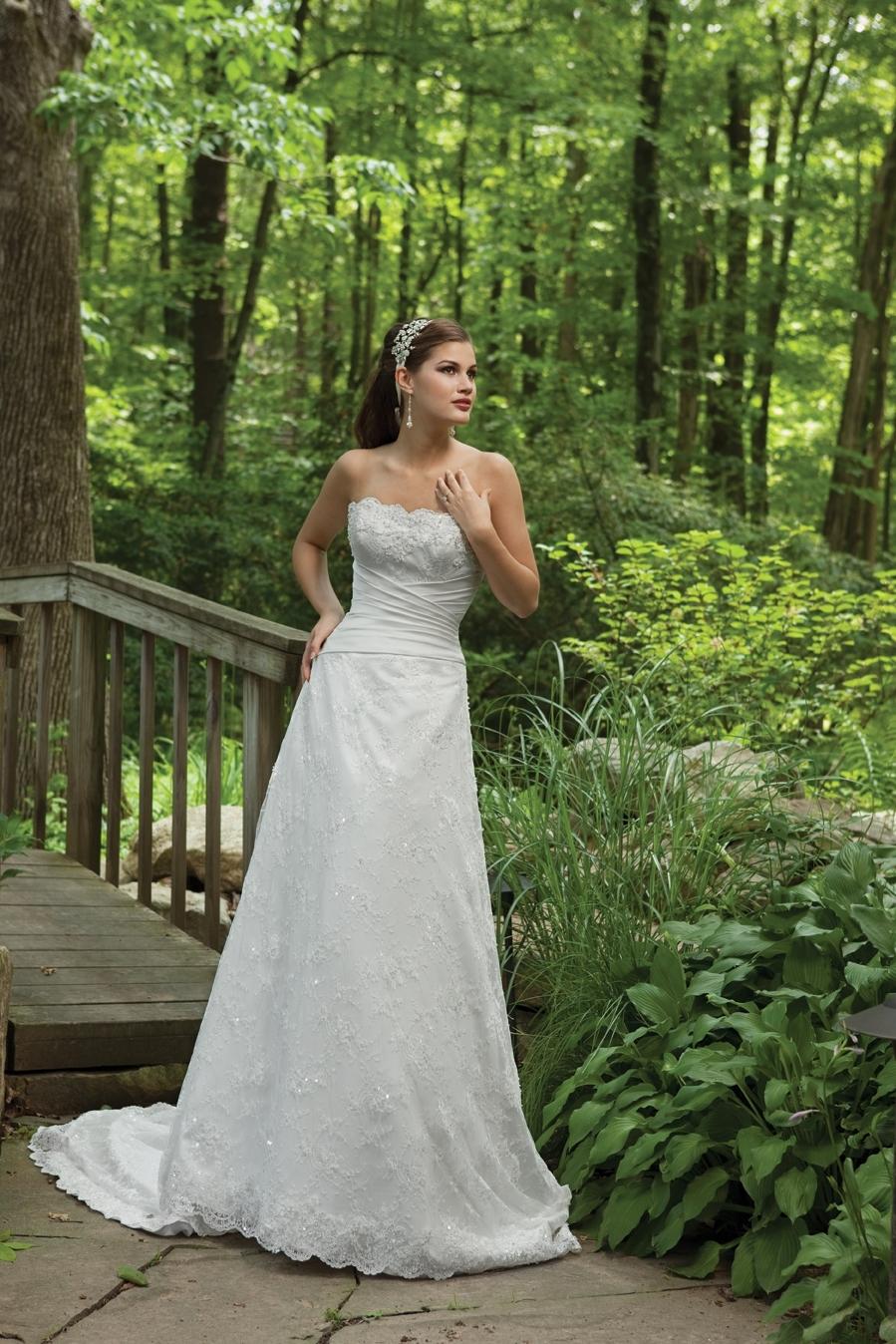 I231107-2011-wedding-dress-kathy-ireland-2bebride-front.full