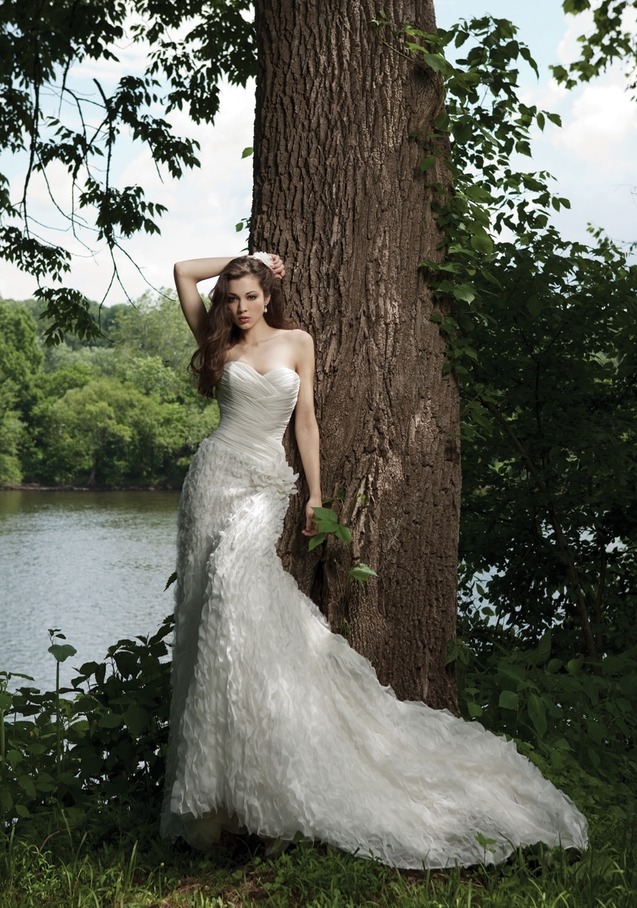 G231120-spring-2011-wedding-dress-kathy-ireland-2bebride-front.full