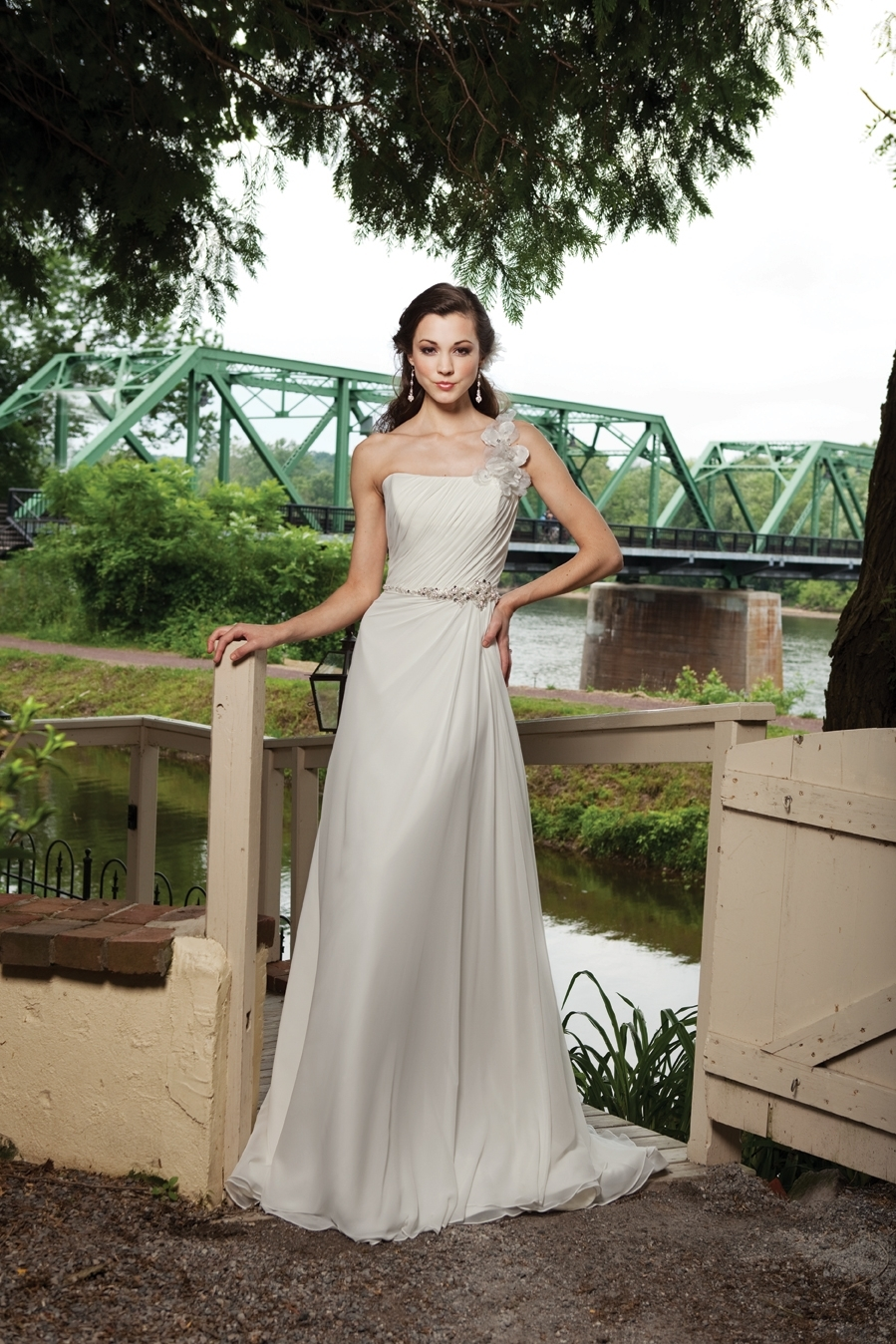 G231117-spring-2011-ivory-wedding-dress-front.full