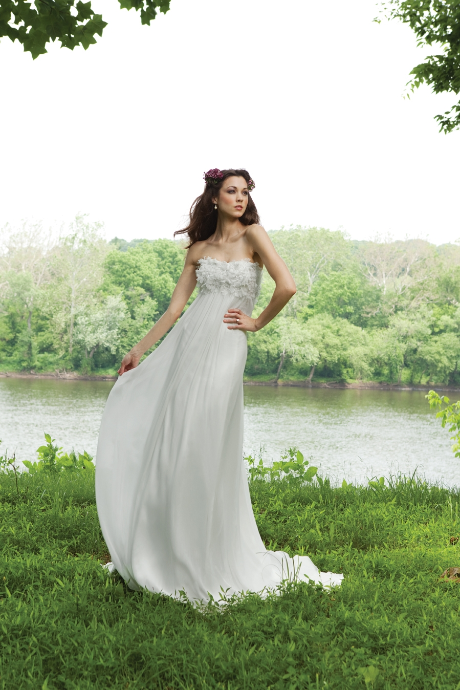 G231116-spring-2011-wedding-dress-2bebride-kathy-ireland-front.original