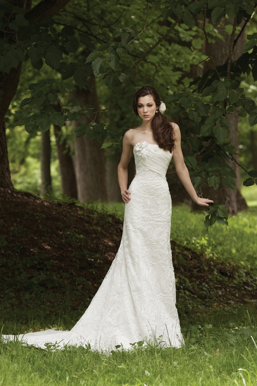 G231114-spring-2011-lace-2bebride-wedding-dress.full