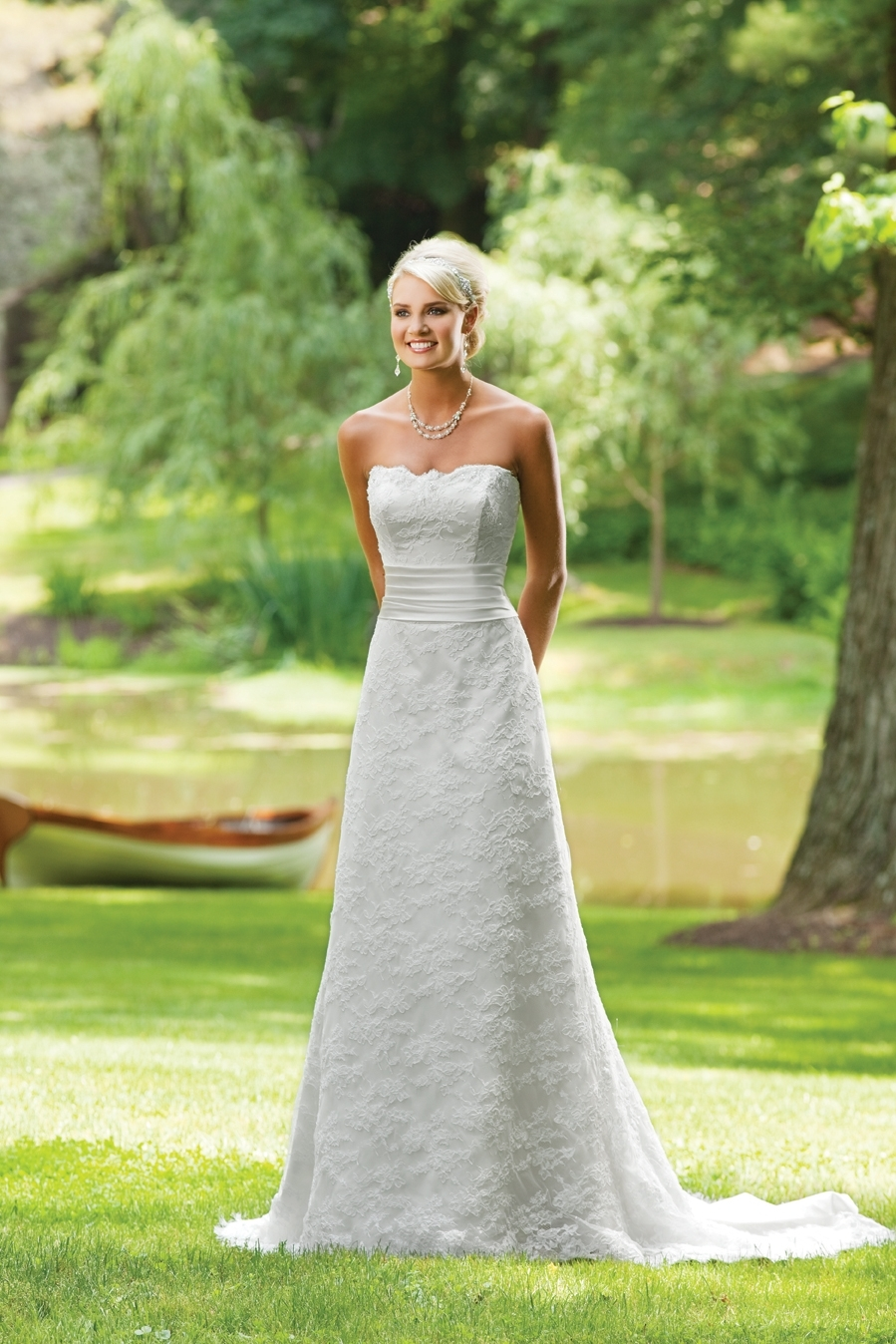 E231134-spring-2011-wedding-dress-2bebride-ki.full