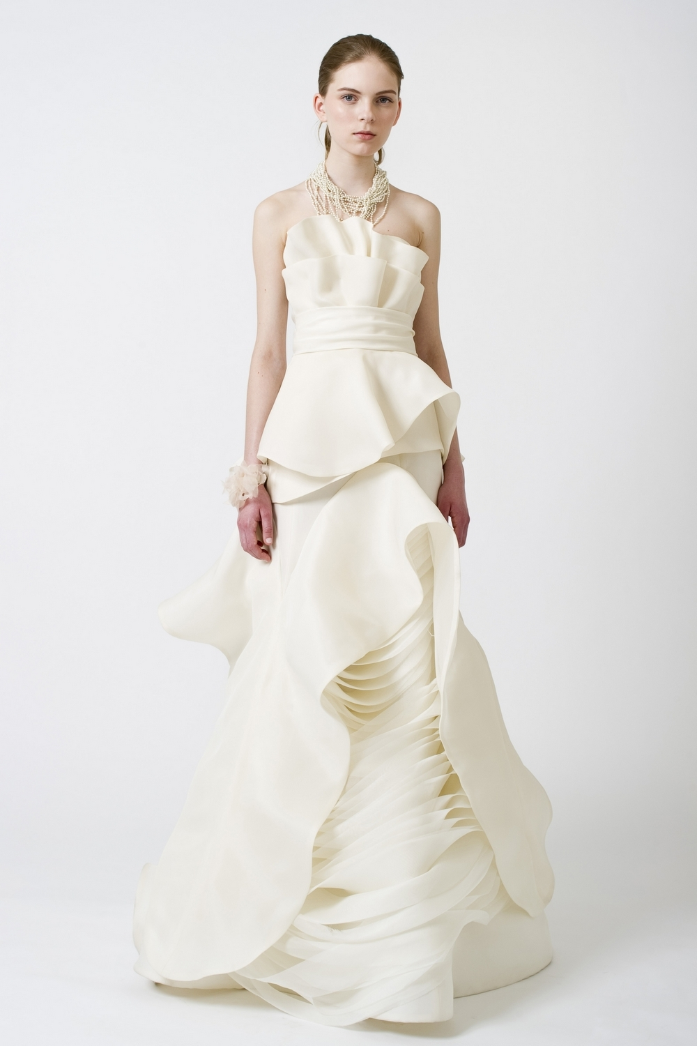 9-spring-2011-vera-wang-wedding-dress-ivory-wave-texture.full