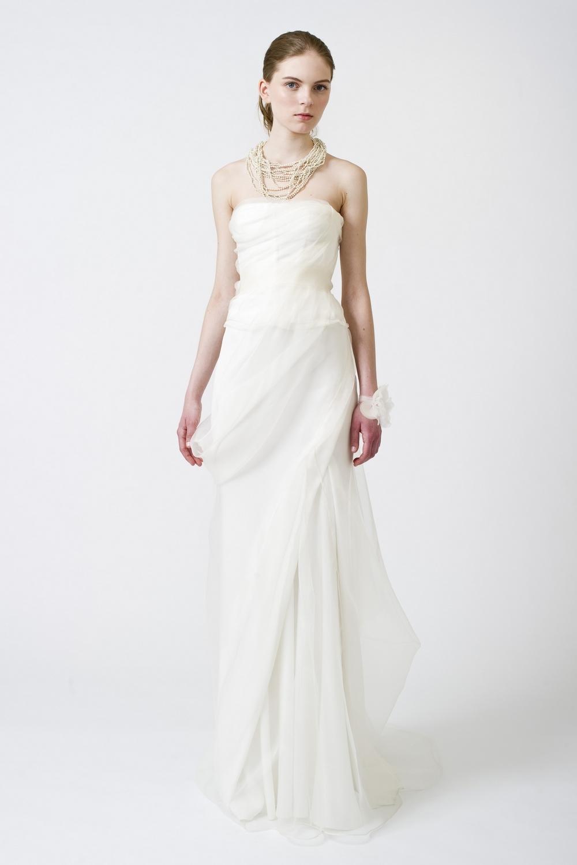 7-spring-2011-wedding-dress-vera-wang-white-sheath.full
