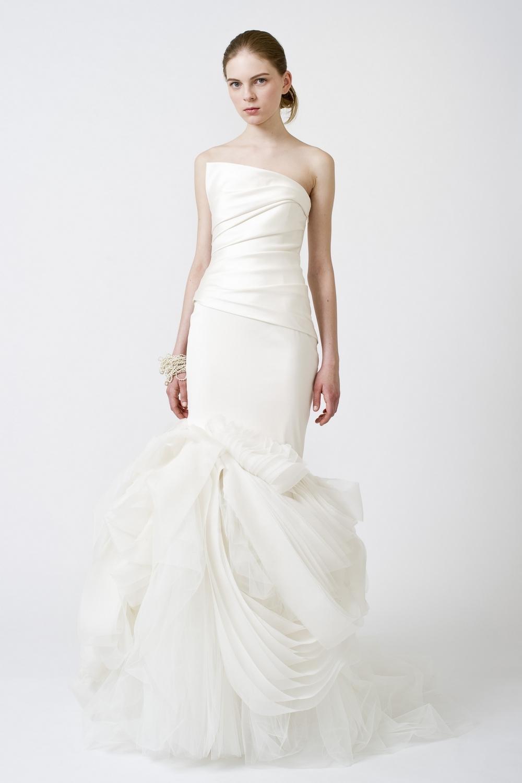 5-spring-2011-vera-wang-wedding-dresses-white-one-shoulder.full