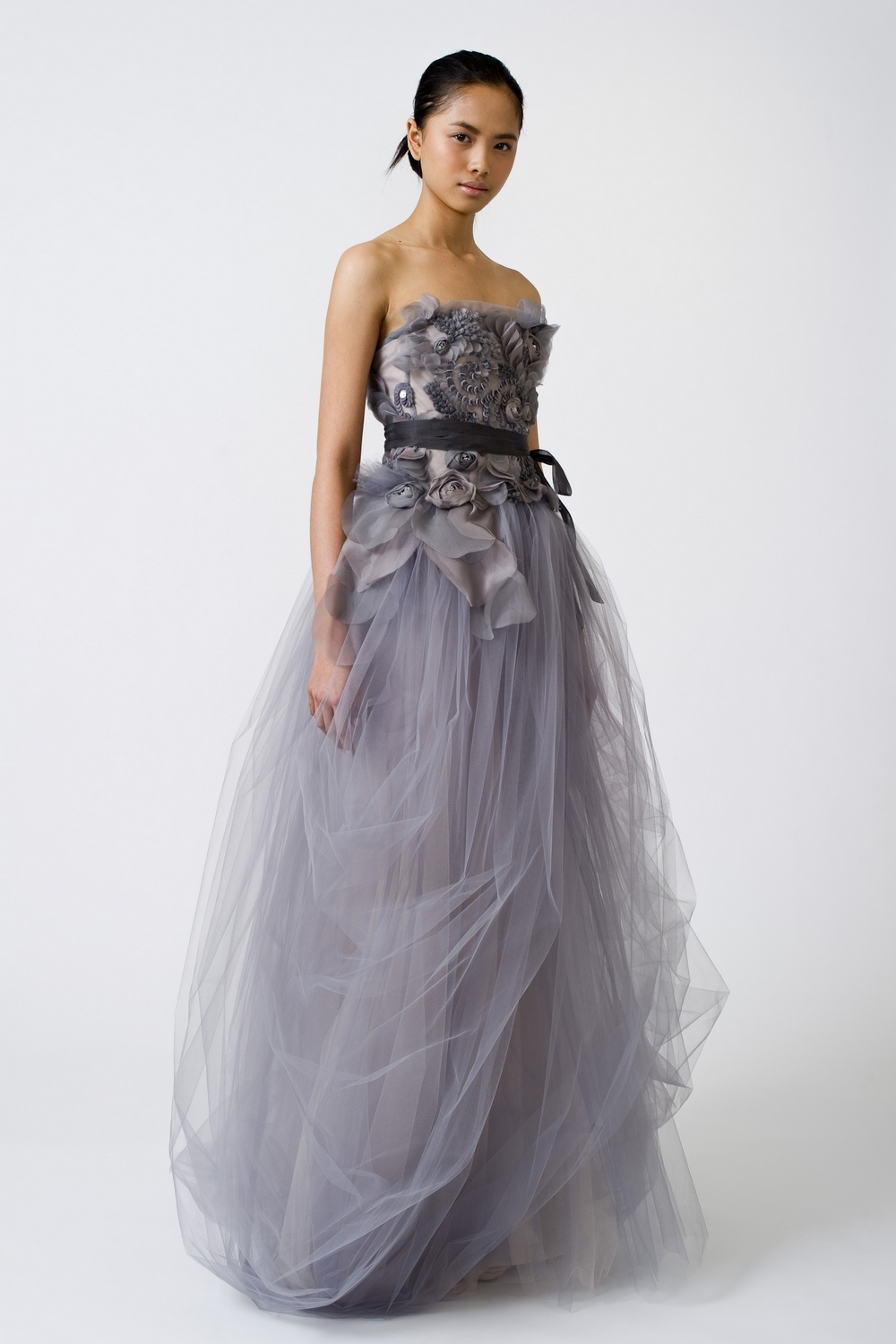 4-spring-2011-vera-wang-wedding-dress-color-lilac-tulle-beading.full