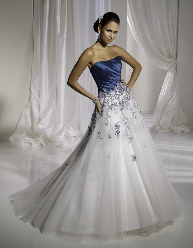 Y11109-spring-2011-wedding-dress-sophia-tolli-front.full