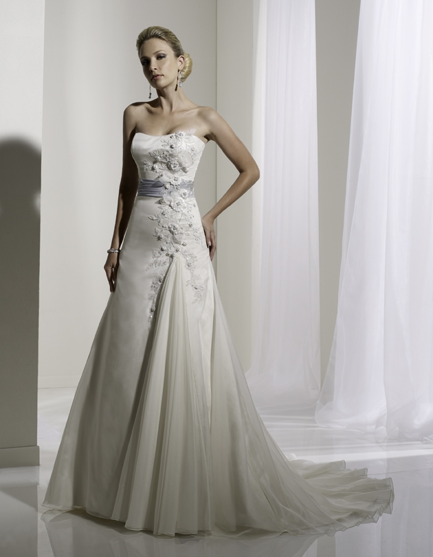Y11108-spring-2011-wedding-dress-sophia-tolli-front.original