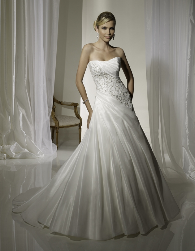 Y11103-spring-2011-wedding-dress-sophia-tolli-front.original