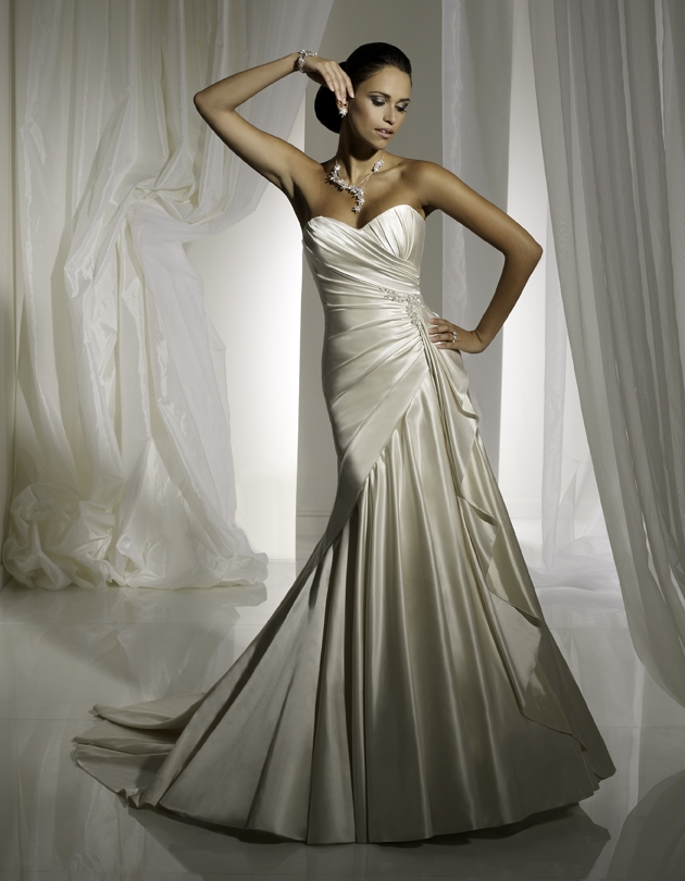 Y11102-2011-wedding-dress-sophia-tolli-front.original