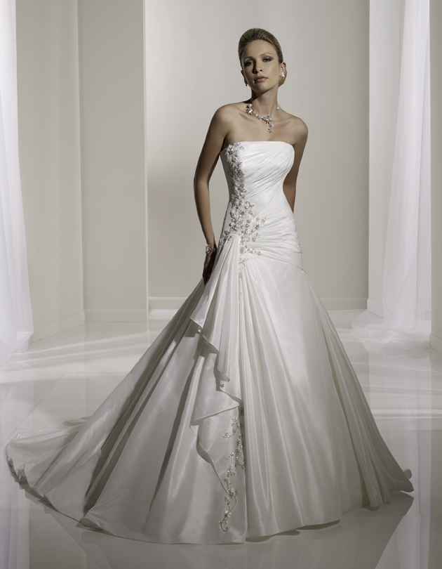 Y11101-2011-wedding-dress-sophia-tolli-front.original