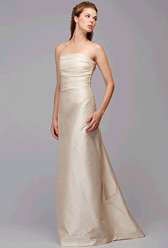 9672-exit-maker-siri-wedding-dress.full