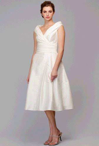 9455-vivien-leigh-siri-wedding-dress.full