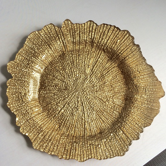 Gold_Leaf_Charger_Plate_Rental