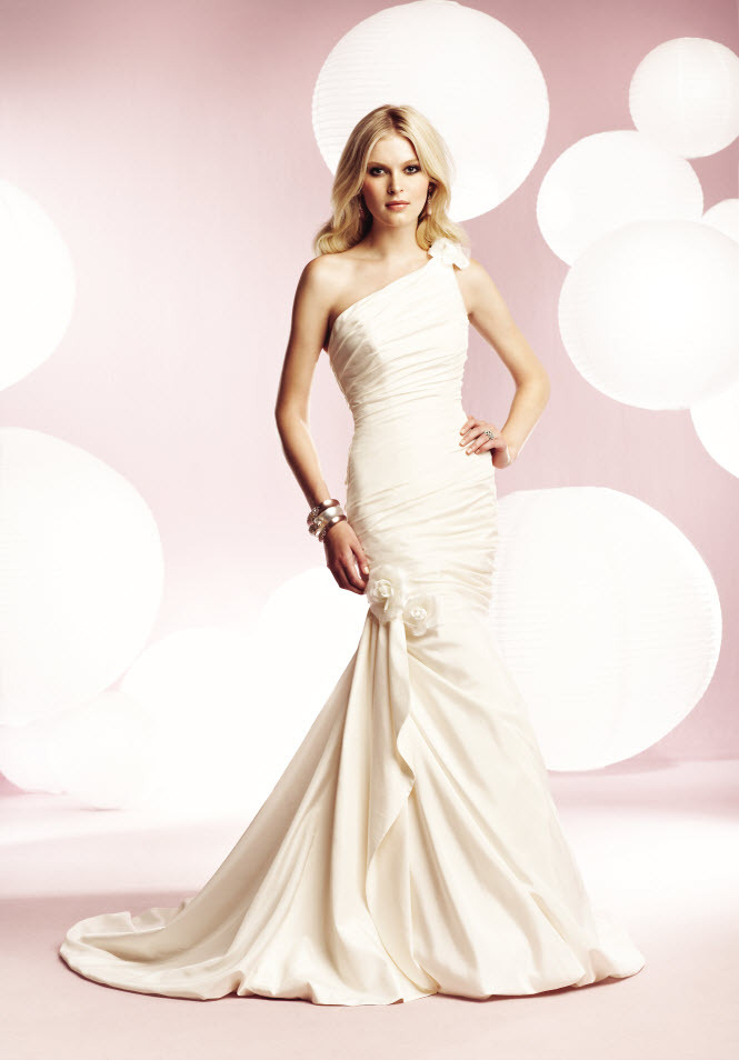 1561f-mikaela-wedding-dresses.full