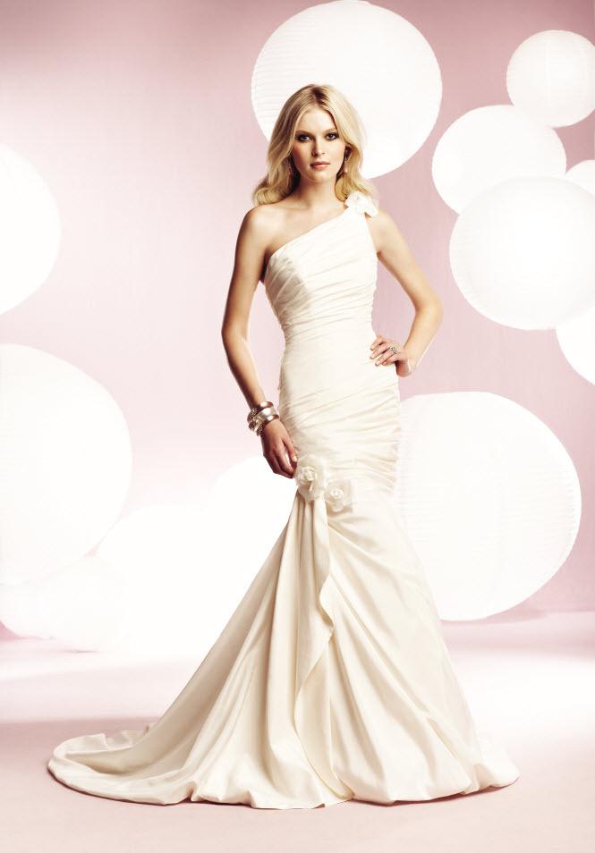 1561f-mikaela-wedding-dresses.full