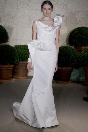 Oscar-de-la-renta_wedding-dress-spring-2011-22n52.full