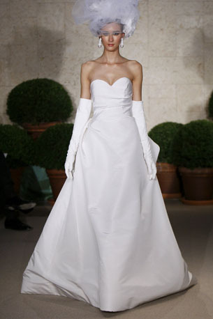 Oscar-de-la-renta_wedding-dress-spring-2011-22n36.full
