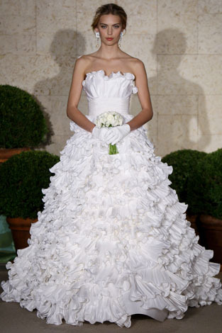 Oscar-de-la-renta_wedding-dress-spring-2011-22e88.full