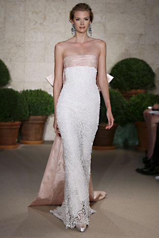 Oscar-de-la-renta_wedding-dress-spring-2011-22e29.full