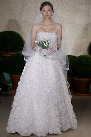 Oscar-de-la-renta_wedding-dress-spring-2011-22e15.full