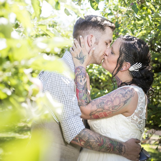 cool_vancouver_wedding_photographers_oren_&_jones_photography_bride_groom_tattoo_outdoor_wedding