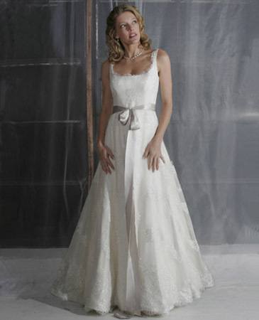 Janet-nelson-kumar-2011-weddingdress-dew-drop.full