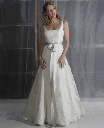 Janet-nelson-kumar-2011-weddingdress-dew-drop.original