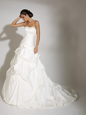 19863_jacqueline-exclusive-wedding-dress-2011.full
