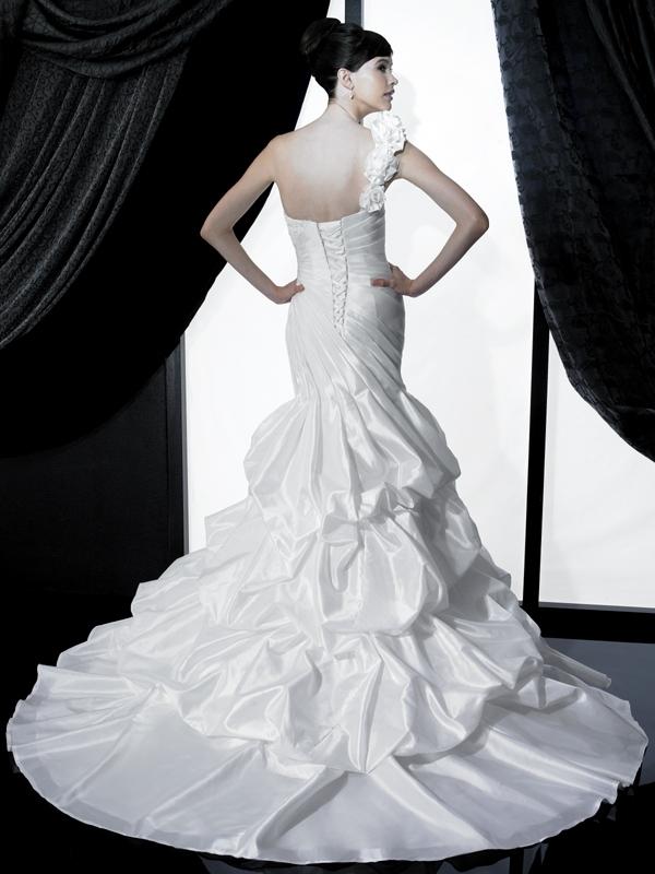 H1132-valerie-couture-2011-wedding-dress-one-shoulder-corset-back-pickup.full