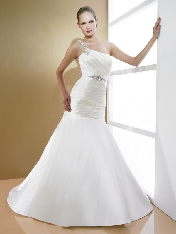 D7995-2011-wedding-dress-moonlight-bridal-one-shoulder-drop-waist-a-line.full