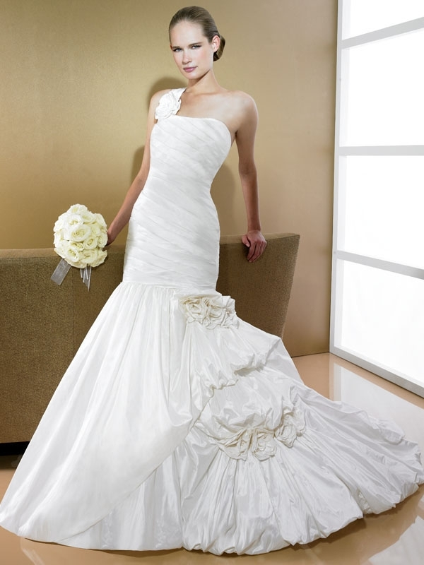D7996-ivory-wedding-dress-2011-moonlight-bridal-one-shoulder-drop-waist-mermaid.full