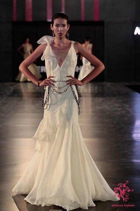 Alberto-rodriguez-spring-2011-wedding-dress-2.full