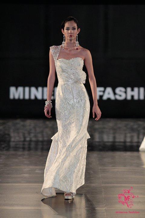 Alberto-rodriguez-spring-2011-wedding-dress-1.full