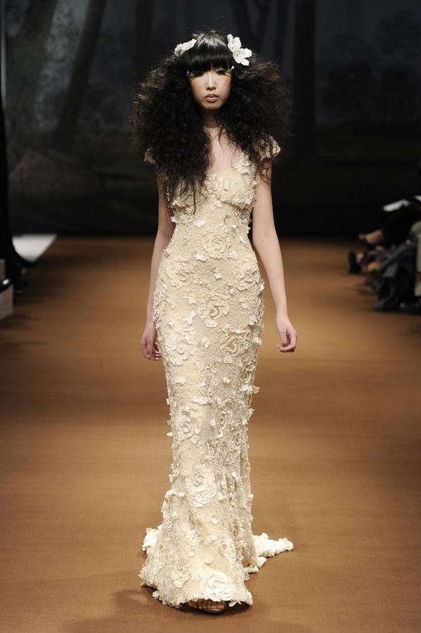 Faye-2011-wedding-dress-claire-pettibone-beige-floral-applique.full